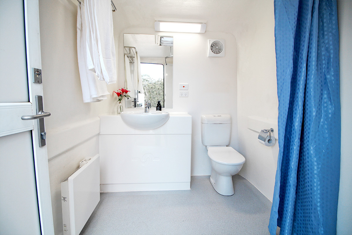 Betta-Bathroom-Hire_Victoria-New-South-Wales_luxury-ensuite-1200px-03
