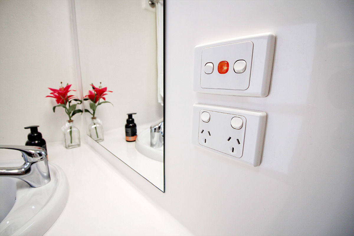 Betta-Bathroom-Hire_Victoria-New-South-Wales_luxury-ensuite-1200px-05